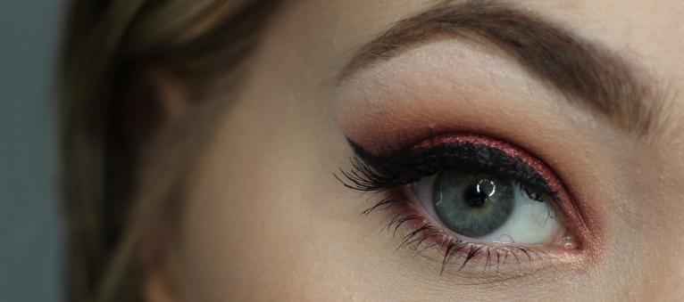 Red Eyeshadow - Weston Beauty